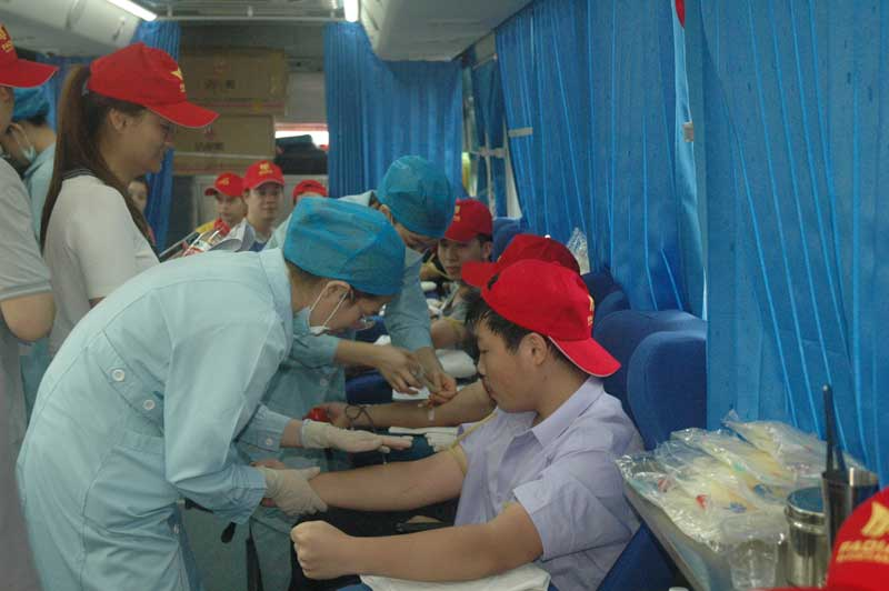 佛山市自动门行业协会大型应急献血活动