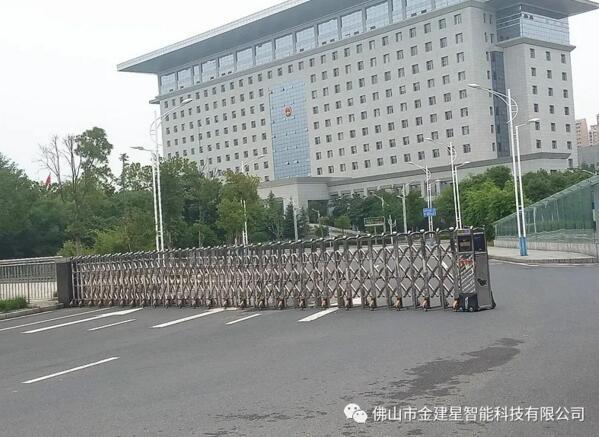 孝感市市政府-枭龙880A伸缩门