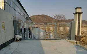 黑龙江省牡丹江绥芬河市无轨悬浮门案例 - 牡丹江中出网-城市出入口设备门户