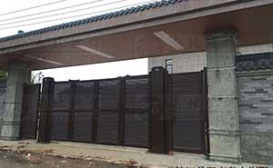 镇江丹阳市私人别墅智能悬折门工程案例 - 镇江中出网-城市出入口设备门户