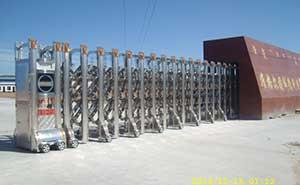准格尔旗诚德利运输公司伸缩门案例 - 呼和浩特中出网-城市出入口设备门户