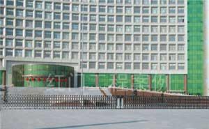 佳木斯人民政府伸缩门案例 - 佳木斯中出网-城市出入口设备门户