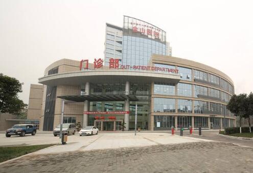 重庆出安智能道闸为重庆医科大学附属第一医院提供保驾护航