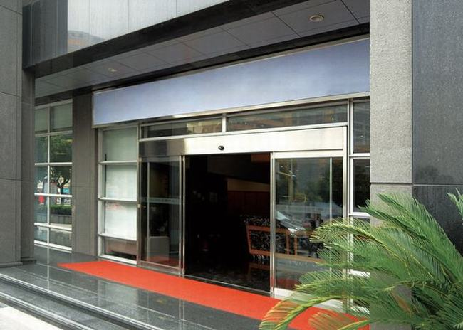 自动感应门 - 自动感应门 - 重庆中出网-城市出入口设备门户