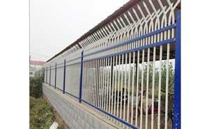 鋅钢护栏 - 锌钢护栏双向弯头型1 - 青岛中出网-城市出入口设备门户