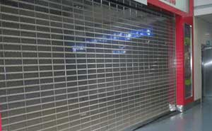 水晶卷帘门 - 水晶卷帘门6 - 镇江中出网-城市出入口设备门户