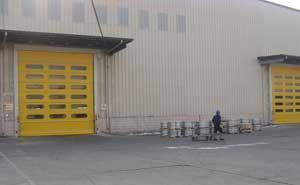 快速堆积门 - 采光快速堆积门 - 威海中出网-城市出入口设备门户