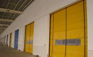 快速堆积门 - 高强度防风快速堆积门 - 威海中出网-城市出入口设备门户