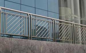 不锈钢护栏 - 不锈钢护栏 - 威海中出网-城市出入口设备门户