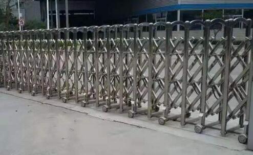 廊坊莱索思环境技术有限公司选用廊坊出安智能伸缩门
