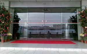 自动感应门 - 自动感应门 - 黄冈中出网-城市出入口设备门户