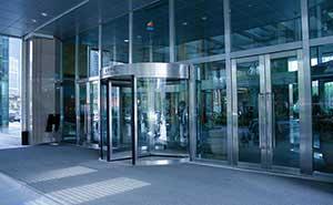 旋转门 - KM023系列手动旋转门 - 吕梁中出网-城市出入口设备门户