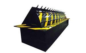 路障机 - 路障机110-带矛尖 - 佳木斯中出网-城市出入口设备门户