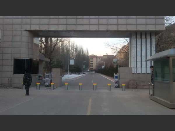 景德镇学院升降柱案例 - 景德镇中出网-城市出入口设备门户