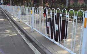 道路护栏 - 京式道路护栏8 - 白城中出网-城市出入口设备门户