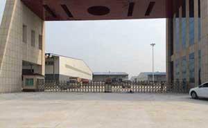 莱芜钢铁集团公司伸缩门案例 - 莱芜中出网-城市出入口设备门户