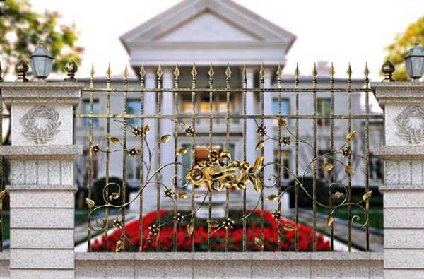 庆阳正洋•凤凰大境围墙护栏案例 - 庆阳中出网-城市出入口设备门户