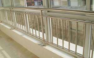 不锈钢护栏 - 不锈钢护栏2 - 白银中出网-城市出入口设备门户