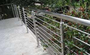 不锈钢护栏 - 不锈钢护栏4 - 白银中出网-城市出入口设备门户