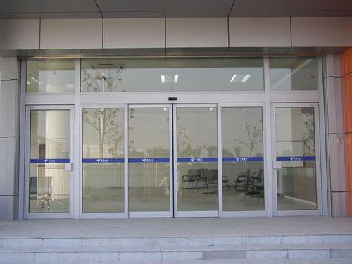 自动门 - 铝型材自动门 - 荆门中出网-城市出入口设备门户