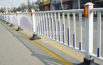 道路护栏 - 道路护栏 - 重庆中出网-城市出入口设备门户