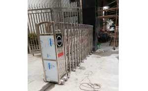 东莞市温塘皂三工业区电动伸缩门案例 - 东莞中出网-城市出入口设备门户