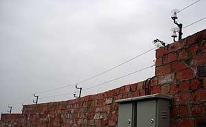 成都龙泉烟花爆竹厂电子围栏工程案例 - 成都中出网-城市出入口设备门户